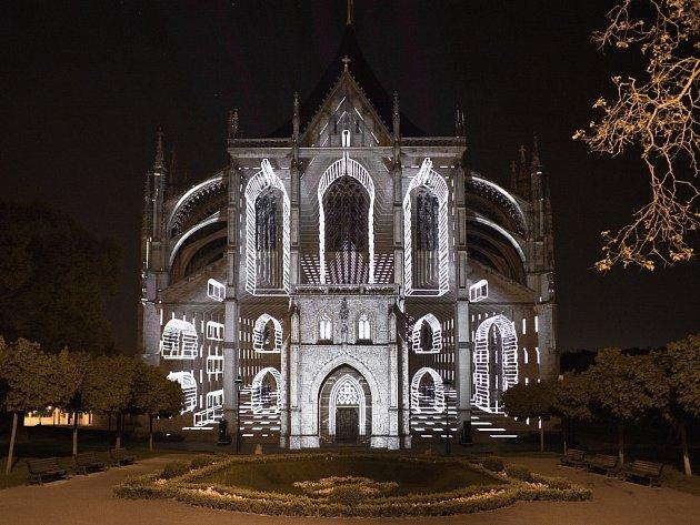 Zkouška videomappingu na chrámu sv. Barbory v Kutné Hoře