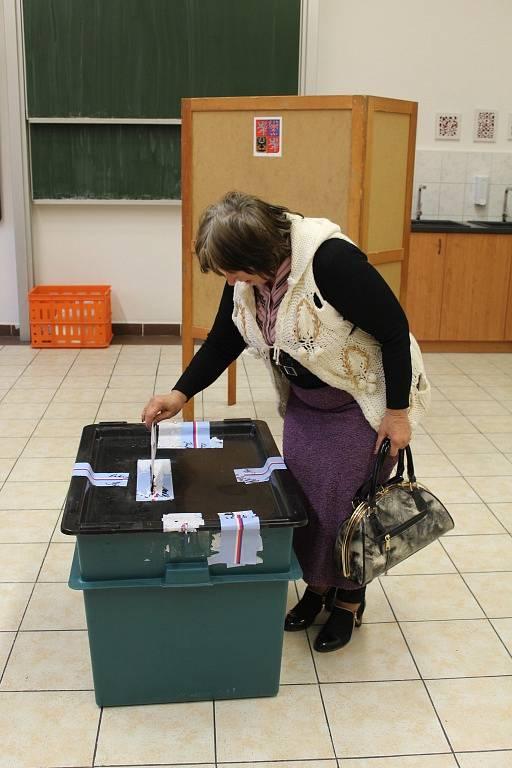 Parlamentní volby v ZŠ Žižkov v Kutné Hoře.