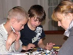 Děti stavěly model města ve sboru Církve bratrské v Čáslavi.