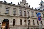 Budova Městské knihovny v Husově ulici v Kutné Hoře.