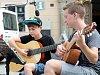 Žáci kytarové třídy na náměstí zahájili ZUŠ open