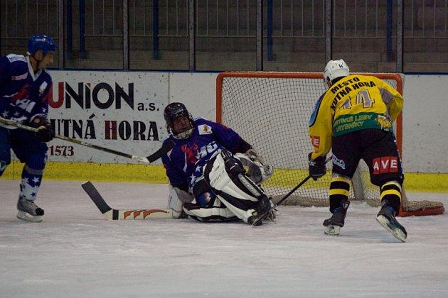 Z utkání KP hokeje K. Hora - Rakovník 8:0, neděle 28. září 2008
