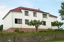 Bývalá škola v obci Makolusky