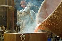 Nový zvon určený pro kostel svatého Jakuba v Kutné Hoře odlili v nizozemském Astenu ve středu 10. května.