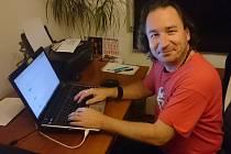 Online rozhovor s bubeníkem Václavem Pohlem
