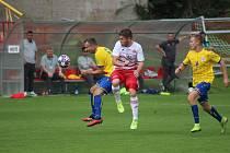 Z divizního fotbalového utkání Kutná Hora - Tochovice (2:2)