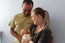Amálie Suchomelová se narodila 25. července v 9.17 hodin v Čáslavi. Vážila 2680 gramů a měřila 49 centimetrů. Doma v Čáslavi ji přivítají šestnáctiletá sestra Bára, desetiletá Nela a rodiče Veronika a Jakub.