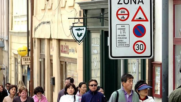 Turisty asi změny v parkování nezajímají, podnikatelé z nich ale mají těžkou hlavu