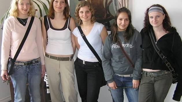 Studentky z Gymnázia v Kralupech nad Vltavou.