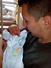 Michal Alfred Bartoš, kterého přezdívají prarodičové Jaty, se narodil 8.července v Čáslavi. Vážil 2360 gramů a měřil 48 centimetrů. Domů do Hostovlic si ho odvezla maminka Barbora a tatínek Michal.