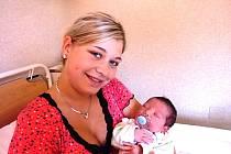Matěj Kozderka se narodil 13. července v Čáslavi. Vážil 3430 gramů a měřil 51 centimetrů. Doma v Potěhách ho přivítali maminka Lenka a tatínek Matěj.