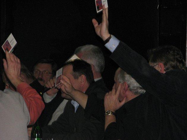 První letošní zasedání zastupitelstva v Čáslavi. Rada města - hlasování.
