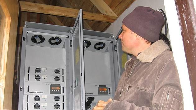 Výklad Vladimíra Marouška u solární elektrárny.