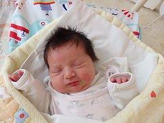 Karolína Hnátková se narodila 16. května v Čáslavi. Vážila 3020 gramů a měřila 49 centimetrů. Doma v Čáslavi ji přivítali maminka Michaela, tatínek Pavel a sourozenci Pavel, Kuba, Kateřina a Alžběta.