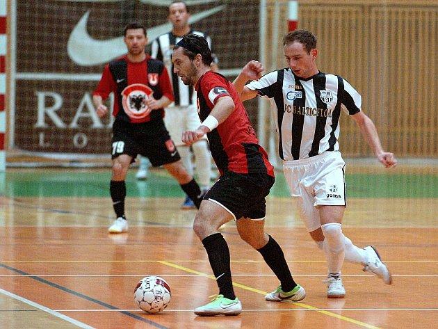 10. kolo Jetbull futsalové ligy: Benago Zruč - Balticflora Teplice, 13. listopadu 2010.