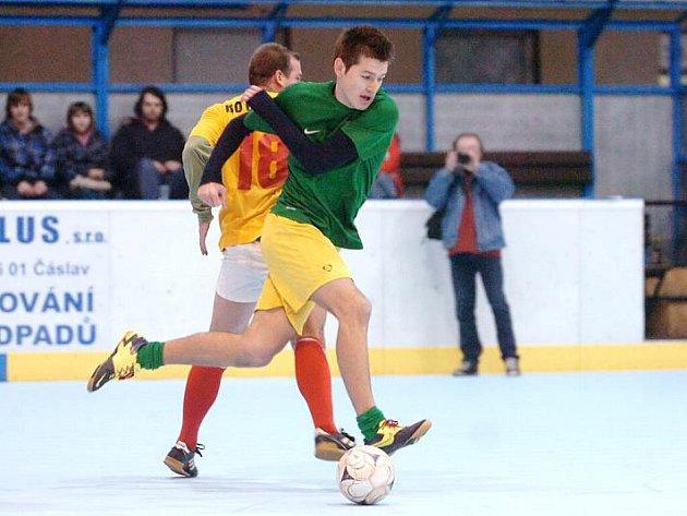 Semifinále Rasyguard play off Club Deportivo futsalové ligy na zimáku, 24. března 2011.