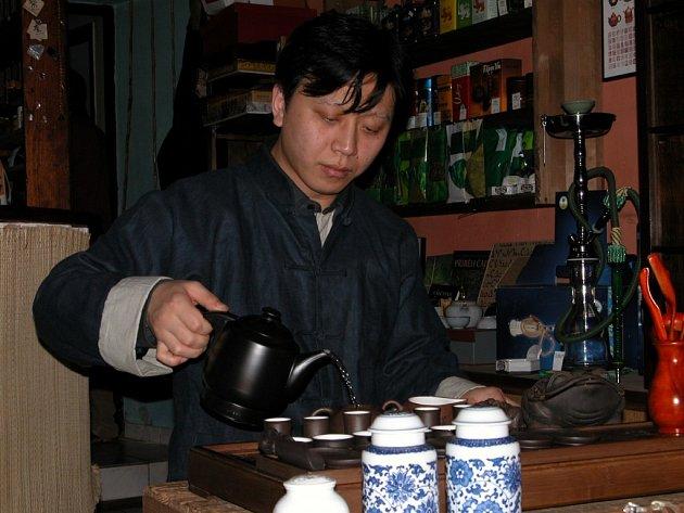 Čínský obřad přípravy čaje.