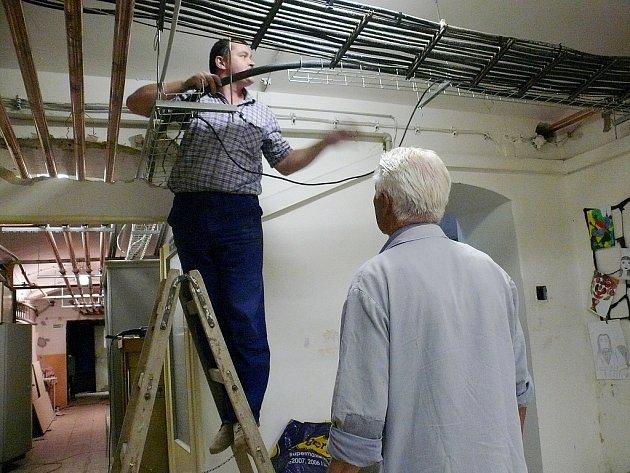 Rekonstrukce školy ve Zbraslavicích