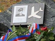 Slavnostní nástup příslušníků 21. základny taktického letectva Čáslav a odhalení pamětní desky Jaroslava Šefčíka