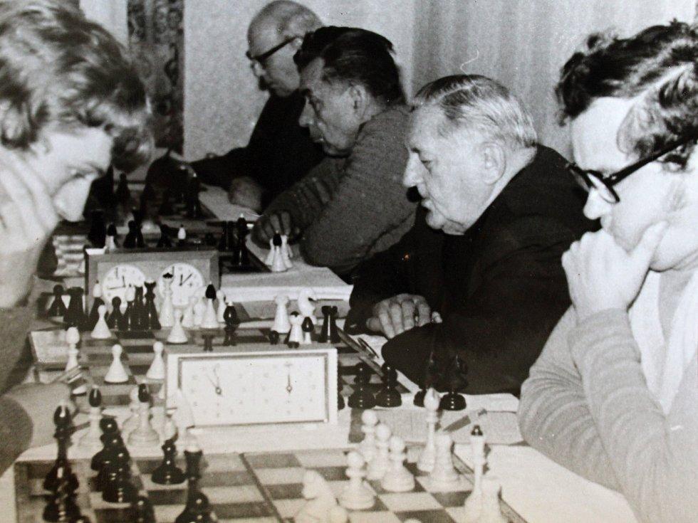 šachová utkání datování kultur po celém světě
