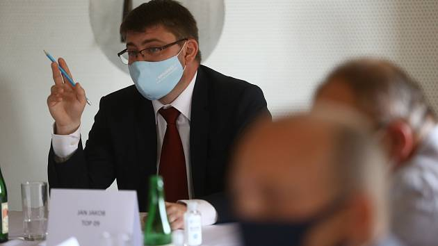Z předvolební debaty pozvaných kandidátů na středočeského hejtmana v Kutné Hoře.