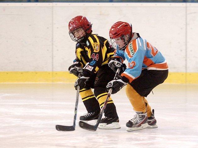 Hokejový turnaj 2. tříd v Kutné Hoře, 26. února 2012.