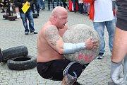 Silní chlapi ukázali své možnosti na Strongmanovi
