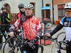 Novoroční vyjížďku z kutnohorského náměstí na Sion si cyklisté užili.