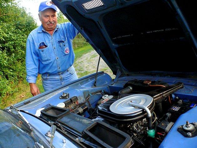 Setkání majitelů osobních vozů značky Simca v Kutné Hoře