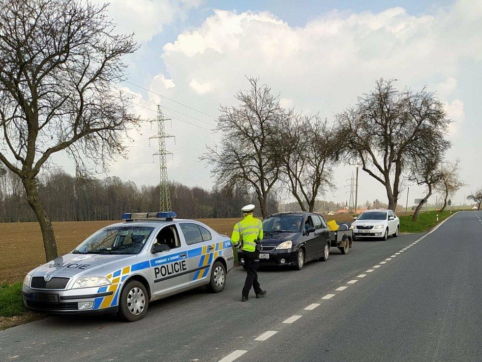 Měření rychlosti vozidel v rámci policejní akce Speed Marathon v Malejovicích.