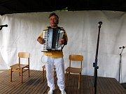 Setkání harmonikářů na Roztěži.