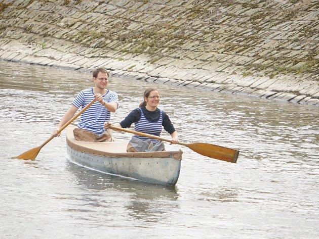 Vodácký festival zahájila Retro plavba po Sázavě