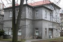 Budova oddělení geriatrie v areálu Městské nemocnice v Čáslavi.