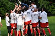 Sedlec porazil Křesetice 6:0 a stal se mistrem okresního přeboru 2012/2013, 8. června 2013.