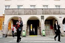 Budova bývalého okresního úřadu v Radniční ulici v Kutné Hoře.