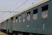 Parní vlak se vydal z Prahy do  Žlebů  na Svatoanenský jarmark.