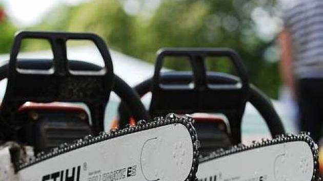 Motorová pila - ilustrační foto