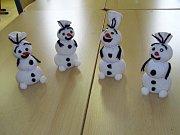 Děti si vyrobily sněhuláka Olafa