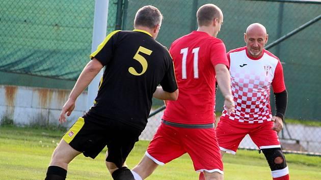 Fotbalová III. třída: TJ Sokol Červené Janovice - TJ Viktoria Sedlec B 3:1 (2:1).
