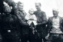 Fotografie se sovětskými vojáky