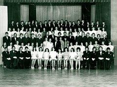 """Taneční v roce 1974. Někteří malínští tehdy kurzy navštěvovali v bývalém """"pionýráku"""", dnešní Dům dětí a mládeže Kutná Hora v Kremnické ulici."""