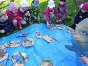 Děti z Mateřské školy Záboří nad Labem poznávaly zahradu