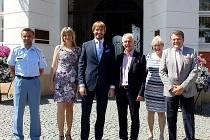 Z návštěvy ministra zdravotnictví Adama Vojtěcha v Čáslavi.