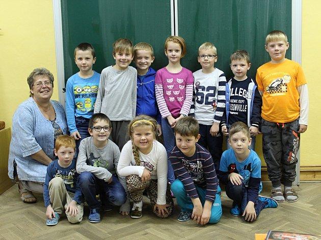 První a druhá třída na Základní škole Vlkaneč, třídní učitelka Marcela Formánková.