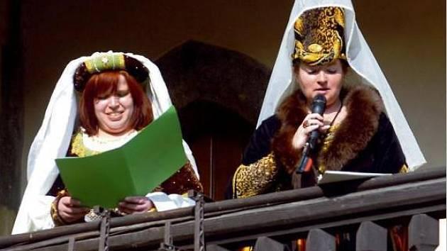 Zuzana Kocourková (vpravo) se na Probouzení Kutné Hory podílela herecky i scenáristicky i v minulých letech.