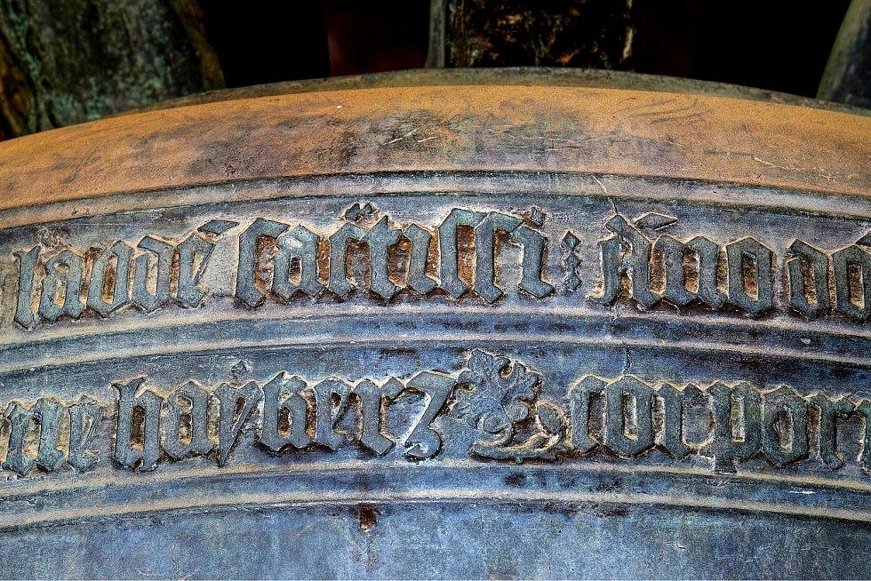 Detail výzdoby zvonu Ludvík