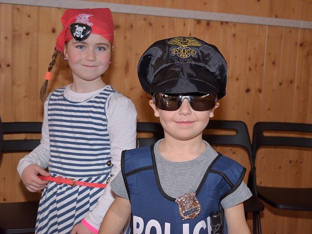 Tělocvična Spolkového domu ve Zruči v neděli hostila dětský karneval.
