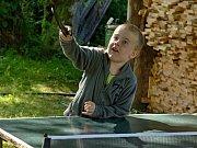 Děti užívají prázdnin na táboře u Zbraslavic