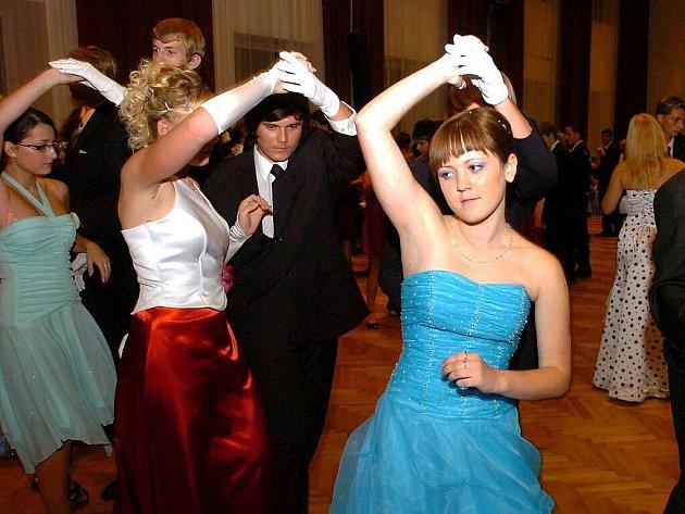 První prodloužená kutnohorské taneční školy manželů Novákových