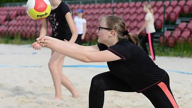 Mladí volejbalisté trénovali ve středu 20. května 2020 ve svém areálu na Klimešce.